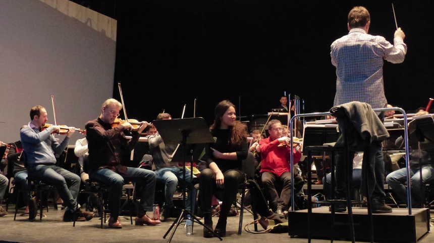 Toda la Música | La cantaora Celia Romero debuta con la Orquesta de Extremadura, dirigida por Manuel Hernández Silva