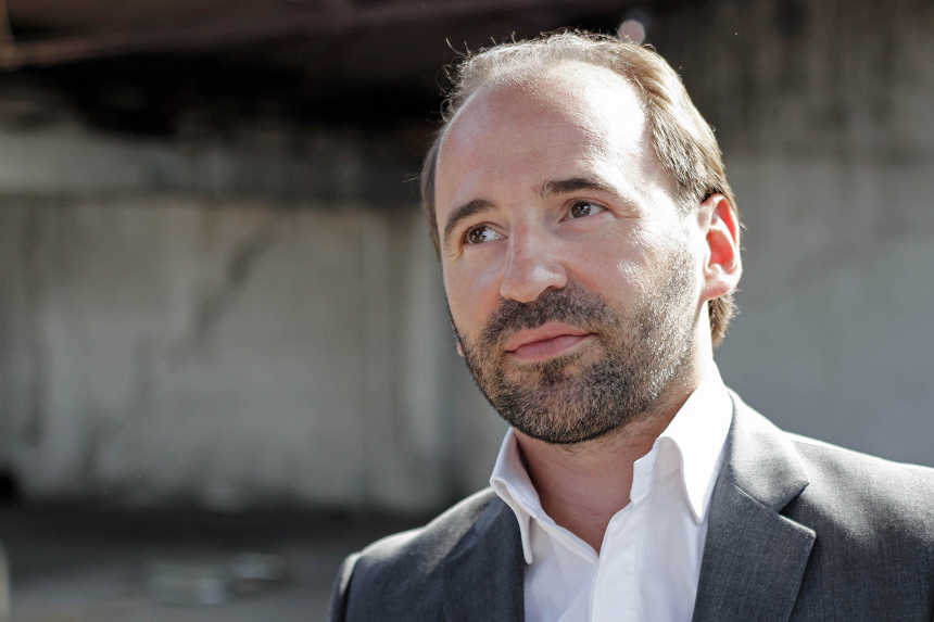 Toda la Música | El director Pierre Bleuse debuta esta semana en España con la Real Filharmonía de Galicia