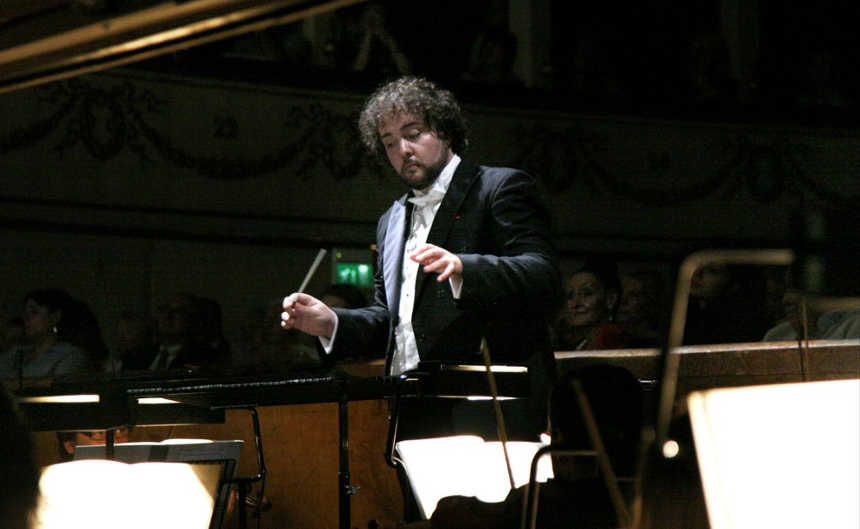 Toda la Música | José Miguel Pérez Sierra dirige la Joven Sinfónica de Galicia y la Orquesta de Navarra