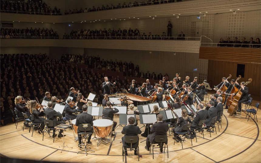Toda la Música | Pablo Heras Casado & Mahler Chamber Orchestra con El amor brujo de Falla