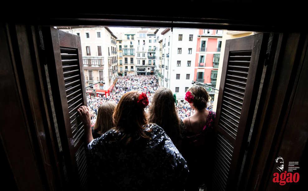 Toda la Música | Por el Día Europeo de la Ópera, AGAO ofrece concierto popular desde los balcones del Ayuntamiento de Pamplona