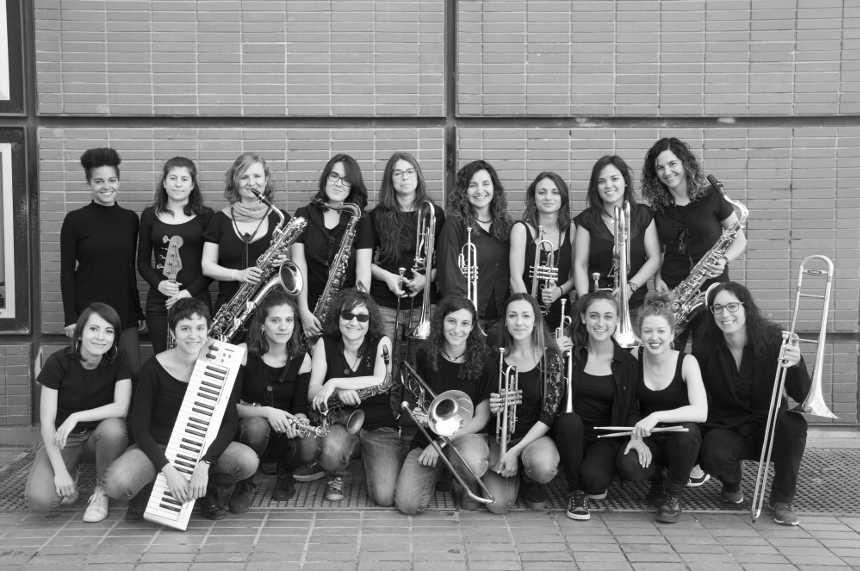 Toda la Música | Funky, soul y jazz en femenino de Micaela Chalmea en concierto gratuito