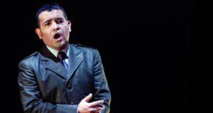 La ópera en el espejo, aproximación a un personaje desde la experiencia personal