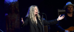 patti-smith-min