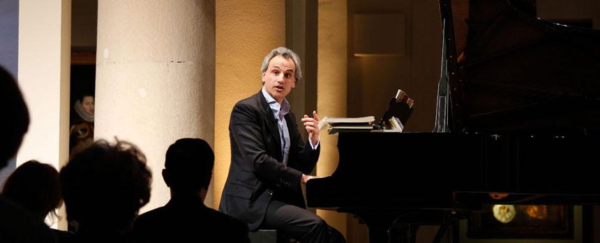 Toda la Música | Pedro Halffter Caro imparte en la Fundación BBVA el ciclo de conferencias 'Mahler, una vida en sinfonías'