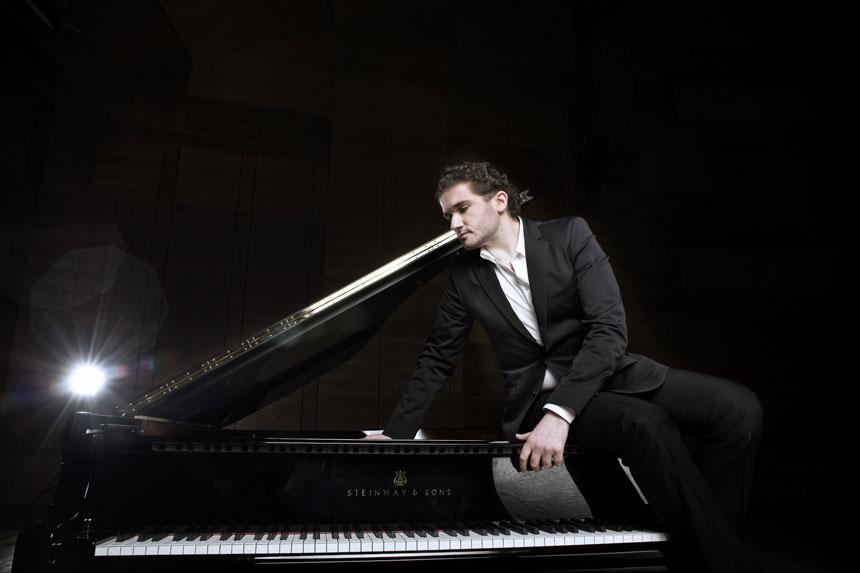 Toda la Música | El Ciclo de Grandes Autores e Intérpretes de la UAM redescubre a Beethoven con pianofortes históricos de la mano de Eduardo Fernández