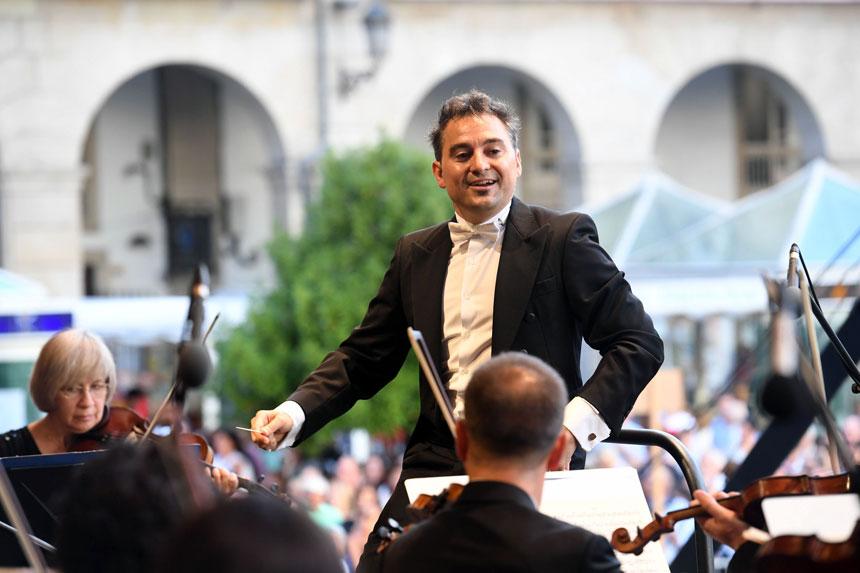 Toda la Música | Lleno en María Pita con la Sinfónica de Galicia y José Trigueros