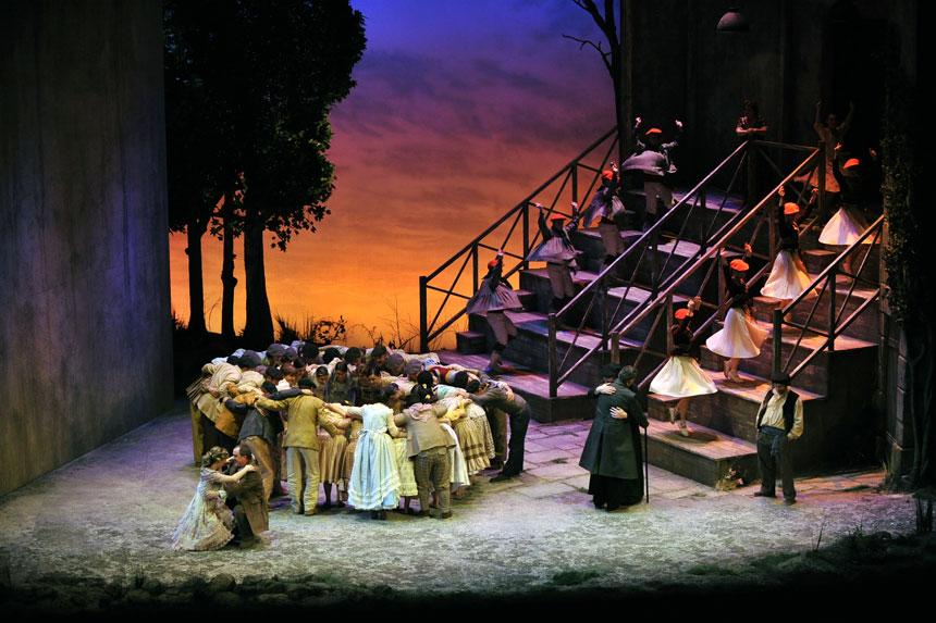 Toda la Música | ACTUALIZADA: Juanjo Mena dirige 'el caserío' de Guridi, con una poética versión escénica de Pablo Viar
