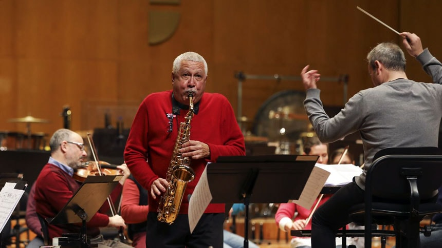 Toda la Música | El saxofonista Paquito D'Rivera y la OSCyL funden jazz latino, folk y música clásica