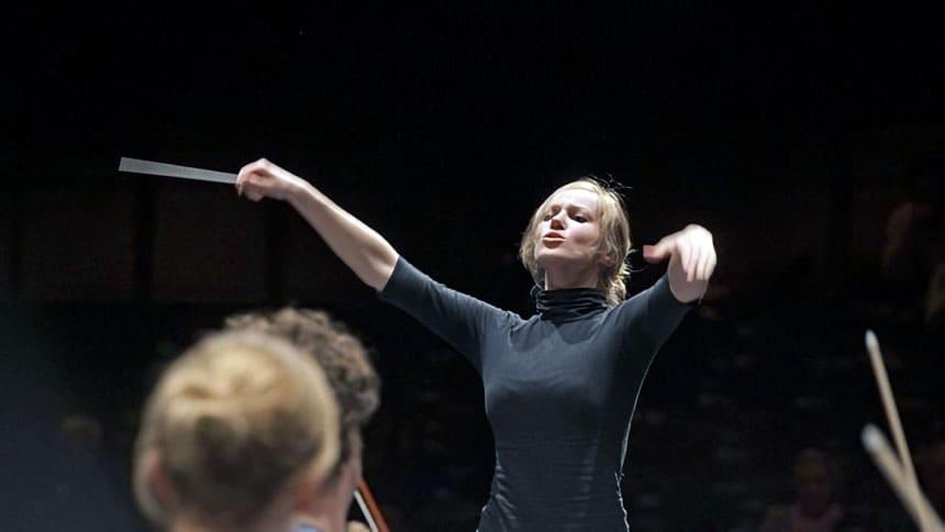 Toda la Música | El Stradivarius de Antoine Tamestit y la batuta de la directora Giedo Šlekytė unen este fin de semana en la OBC