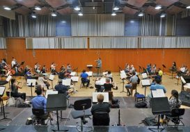 Toda la Música | El maestro Maxim Emelyanychev y el violinista Aylen Pritchin debutan junto a la Orquesta Filarmónica de Gran Canaria