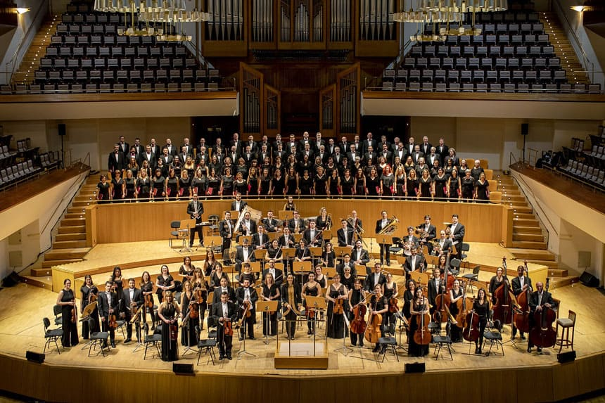 Toda la Música | Orquesta Metropolitana, Coro Talía y su directora Silvia Sanz Torre despiden 2020