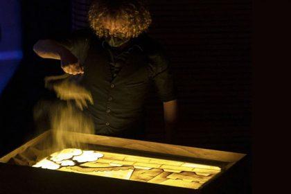 Toda la Música | Les Arts une música, teatro y artes plásticas en su espectáculo 'Cuadros de una exposición', de Músorgski
