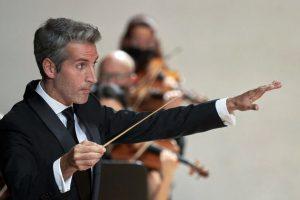 El maestro Lucas Macías dirigirá el octavo concierto de abono del Ciclo 30 aniversario de la ROSS
