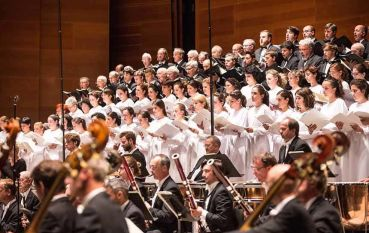 Concierto de la Euskadiko Orkestra y el Orfeón Donostiarra en el Euskalduna de Bilbao